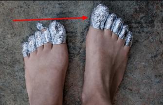 Ce se intampla daca pui o bucata de aluminiu pe degetele de la picioare