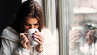 Obiceiul care face cafeaua foarte periculoasa. Creste riscul de cancer cu 90%